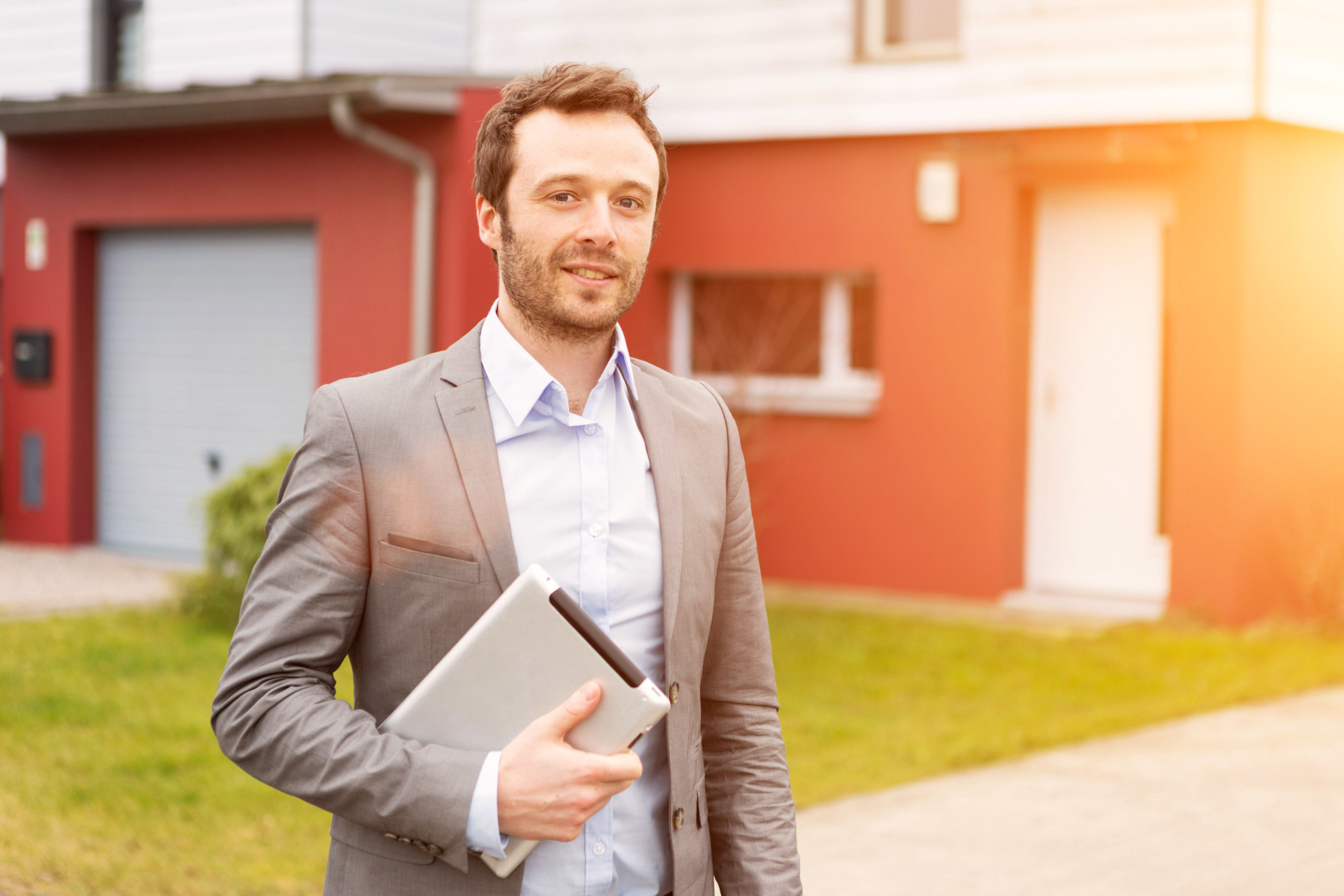What Does a Realtor Do: Here's What Buyers and Sellers Can Expect