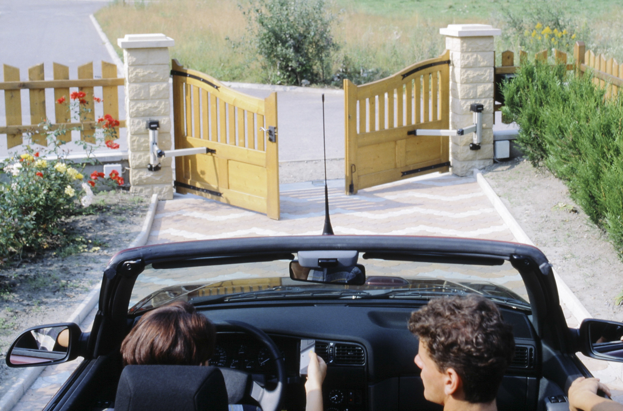 7 Driveway Gate Designs and Inspiration for Your New Custom Driveway